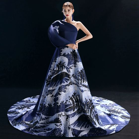 Vintage Chinesischer Stil Marineblau Abendkleider 2019 A Linie One-Shoulder Drucken Lange Ärmel Kapelle-Schleppe Festliche Kleider