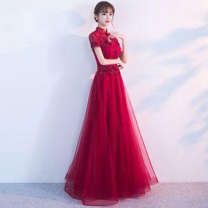 Style Chinois Robe De Soirée 2017 Bordeaux Princesse Longue Col Haut Manches Courtes Dos Nu Dentelle Appliques Fleur Robe De Ceremonie