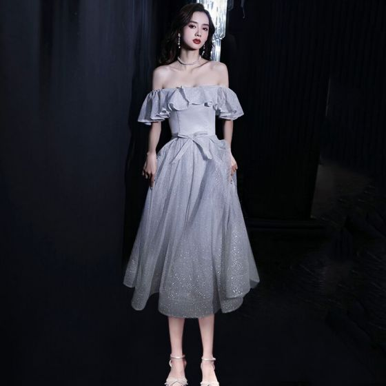 Bling Bling Silver Homecoming Graduation Dresses 2021 A-Line / Princess Off-The-Shoulder Short Sleeve Glitter Polyester Tea-length Ruffle Backless Formal Dresses
