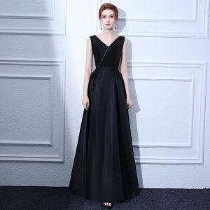 Modest / Simple Black Evening Dresses  2017 A-Line / Princess Beading Bow V-Neck Backless Sleeveless Ankle Length Formal Dresses
