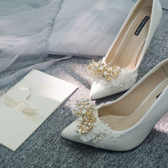 Charmant Ivory / Creme Brautschuhe 2020 Leder Handgefertigt Strass Perle Pailletten Spitze Blumen 10 cm Stilettos Spitzschuh Hochzeit Pumps