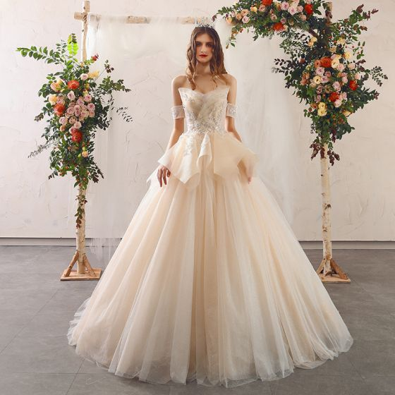 Charming Champagne Wedding Dresses 2020 Ball Gown Strapless Beading Sequins Appliques Sleeveless Backless Sweep Train