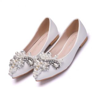 Modern / Fashion White Casual Womens Shoes 2018 Pearl Rhinestone Pointed Toe Flat