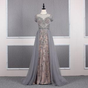 High-end Grey Evening Dresses  2019 A-Line / Princess Scoop Neck Handmade  Beading Crystal Rhinestone Short Sleeve Sweep Train Formal Dresses