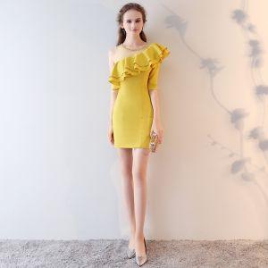 Piękne Żółta Strona Sukienka 2017 Otoczka / Nadające Cekiny Jedno Ramię Bez Pleców 1/2 Rękawy Krótkie Sukienki Wizytowe