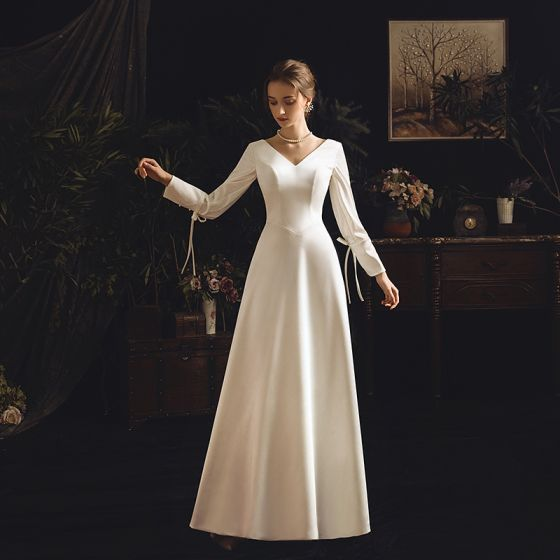 Vintage / Retro Ivory Satin Wedding Dresses 2019 Sheath / Fit V-Neck Long Sleeve Backless Floor-Length / Long Ruffle