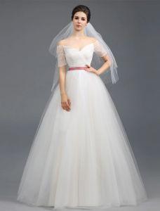 A-ligne Sur Les Épaules Manches Courtes À Volants Robe De Mariée En Tulle