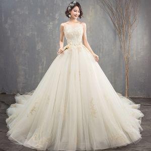 Luxus / Herrlich Champagner Brautkleider 2018 Ballkleid Perlenstickerei Strass Spaghettiträger Rückenfreies Ärmellos Königliche Schleppe Hochzeit
