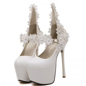 Chic / Beautiful White 2018 15 cm High Heels Appliques Beading Pearl Pointed Toe Wedding Evening Party Pumps Stiletto Heels Wedding Shoes