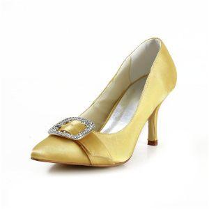 Classique Chaussures Formelles Or Talons Aiguilles En Satin Avec Des Bijoux En Strass
