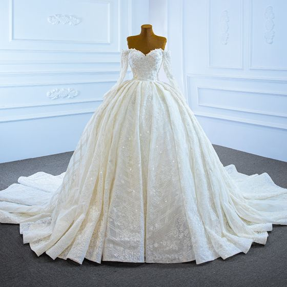 Luxury / Gorgeous White Bridal Wedding Dresses 2021 Ball Gown Off-The-Shoulder Long Sleeve Backless Appliques Lace Handmade  Beading Pearl Chapel Train Ruffle
