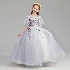 Schlicht Lavendel Blumenmädchenkleider 2019 A Linie Rundhalsausschnitt 1/2 Ärmel Applikationen Spitze Perle Lange Rüschen Kleider Für Hochzeit
