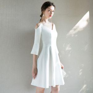 Modest / Simple Ivory Homecoming Graduation Dresses 2018 A-Line / Princess V-Neck 3/4 Sleeve Short Ruffle Backless Formal Dresses