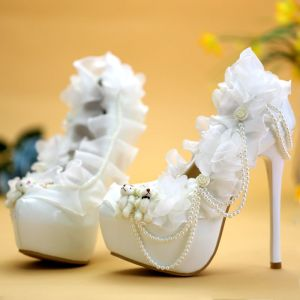 Affordable White Wedding Shoes 2019 Appliques Pearl 14 cm Stiletto Heels Round Toe Wedding Pumps