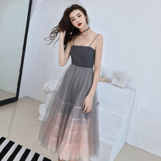Modest / Simple Grey Gradient-Color Homecoming Graduation Dresses 2019 A-Line / Princess Spaghetti Straps Sleeveless Tea-length Ruffle Backless Formal Dresses