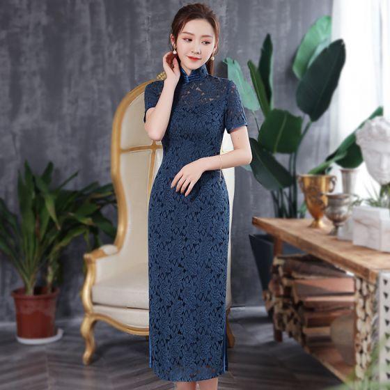 Chinesischer Stil Marineblau Spitze Cheongsam 2020 Stehkragen Kurze Ärmel Wadenlang Festliche Kleider