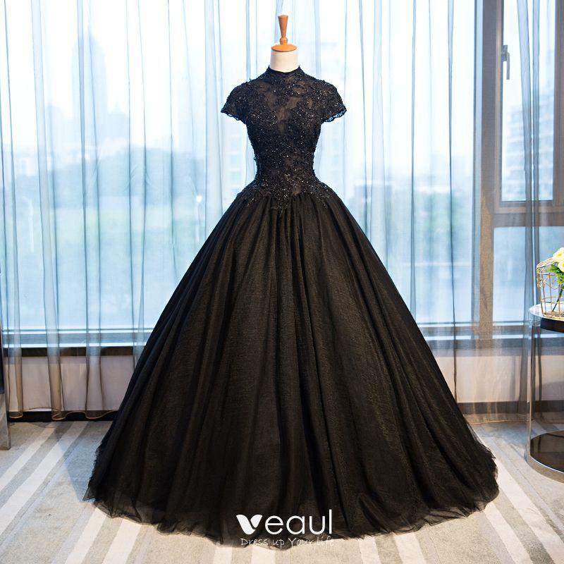 Hermoso Negro Vestidos De Noche 2017 Ball Gown Con Encaje Flor Crystal Rebordear Cuello Alto Sin Espalda Manga Corta Largos Vestidos Formales