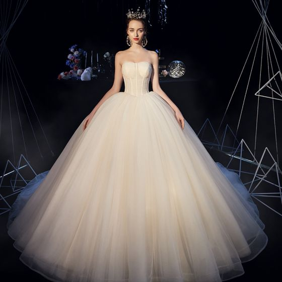 Modest / Simple Champagne Organza Corset Wedding Dresses 2019 Ball Gown Strapless Sleeveless Backless Cathedral Train Ruffle