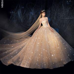 Luxus / Herrlich Champagner Brautkleider / Hochzeitskleider 2019 Ballkleid Bandeau Glanz Tülle Pailletten Perlenstickerei Ärmellos Rückenfreies Kathedrale Schleppe