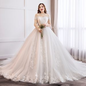 Modern / Fashion White Plus Size Ball Gown Wedding Dresses 2019 Tulle Lace Appliques Backless Embroidered Strapless Cathedral Train Wedding