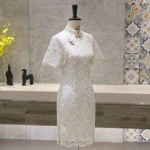 Schöne Ivory / Creme Cheongsam 2020 Stehkragen Kurze Ärmel Applikationen Spitze Kurze Festliche Kleider