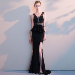 Sexy Black Evening Dresses  2019 Trumpet / Mermaid V-Neck Beading Crystal Appliques Tassel Sleeveless Backless Asymmetrical Formal Dresses