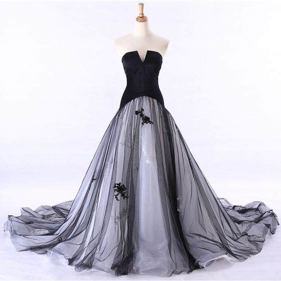 Chic / Beautiful Prom Dresses 2017 Strapless Sleeveless Backless Appliques Lace Chapel Train Ruffle Ball Gown Formal Dresses