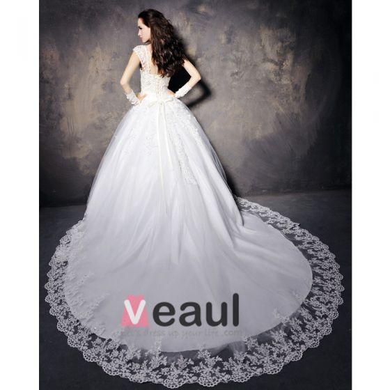 Satin Spitze Mit Perlen Schultergurte Bodenlange Kathedrale Zug A-linie Brautkleid
