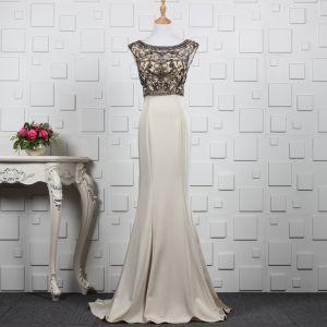 Luksusowe Khaki Wykonany Ręcznie Frezowanie Sukienki Wieczorowe 2019 Syrena / Rozkloszowane Kryształ Rhinestone Wycięciem Bez Rękawów Bez Pleców Trenem Sweep Sukienki Wizytowe