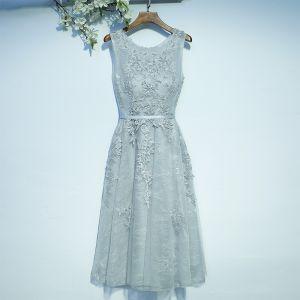 Elegant Wedding Party Dresses Bridesmaid Dresses 2017 Silver Lace Sash Flower Ruffle Zipper Up Tea-length Scoop Neck A-Line / Princess Sleeveless