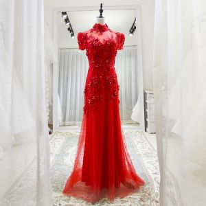 Chinese style Red See-through Evening Dresses  2018 A-Line / Princess High Neck Short Sleeve Appliques Lace Beading Sweep Train Ruffle Backless Formal Dresses