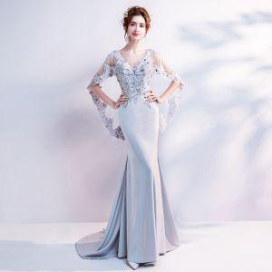 Schöne Grau Abendkleider 2018 Mermaid V-Ausschnitt Spitze Applikationen Rückenfreies Perlenstickerei Strass Abend Festliche Kleider