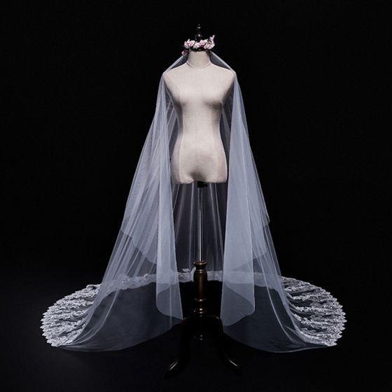 Betaalbare Witte Huwelijk 2018 Kanten Tule Appliques Kralen Bruidssluier