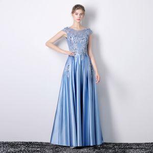 Schöne Blau Abendkleider 2019 A Linie Rundhalsausschnitt Applikationen Spitze Blumen Strass Ärmellos Rückenfreies Lange Festliche Kleider