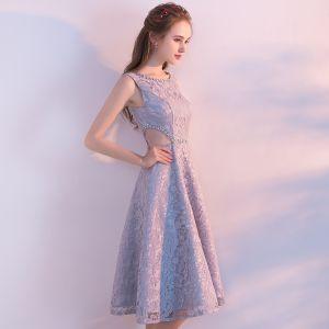 Chic / Beautiful Grey Homecoming Graduation Dresses 2018 A-Line / Princess Scoop Neck Sleeveless Beading Sequins Knee-Length Ruffle Backless Formal Dresses