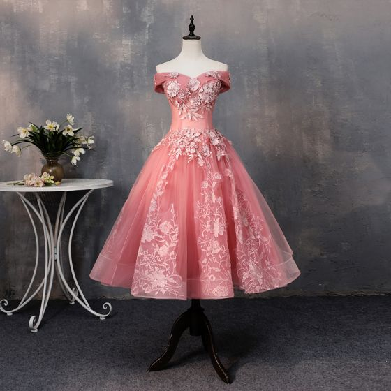 Chic / Beautiful Watermelon Prom Dresses 2019 A-Line / Princess Appliques Lace Pearl Off-The-Shoulder Backless Short Sleeve Short Formal Dresses