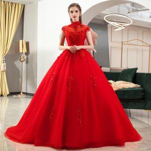 Chiński Styl Czerwone ślubna Suknie Ślubne 2020 Suknia Balowa Przezroczyste Wysokiej Szyi Bez Rękawów Bez Pleców Aplikacje Z Koronki Frezowanie Trenem Katedra Wzburzyć