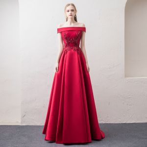 Chic / Beautiful Burgundy Evening Dresses  2018 A-Line / Princess Off-The-Shoulder Short Sleeve Appliques Lace Pearl Rhinestone Sweep Train Ruffle Backless Formal Dresses
