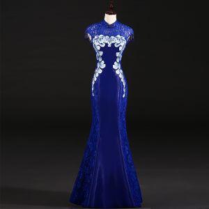 Chinese style Royal Blue Evening Dresses  2018 Trumpet / Mermaid Pierced High Neck Sleeveless Appliques Flower Rhinestone Beading Tassel Floor-Length / Long Formal Dresses