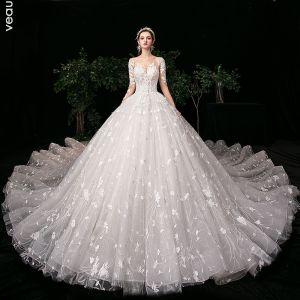 Haut de Gamme Ivoire Robe De Mariée 2020 Robe Boule Encolure Dégagée Perlage Faux Diamant En Dentelle Fleur Manches Longues Dos Nu Royal Train