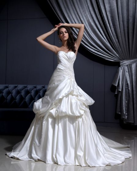 Sleeveless Satin Applique Ruffles Sweetheart Chapel Train A-Line Wedding Dress