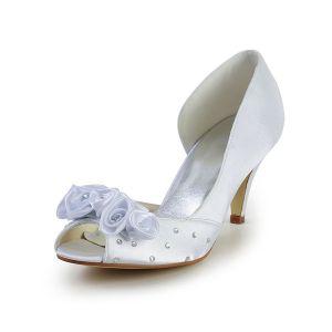 Laterales Abiertos Peep Toe Brillante Mediados Talones Del Rhinestone Blanco De Satén Zapatos De Novia De La Boda Rosas Hechas A Mano