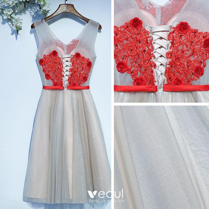Chic / Beautiful Grey Graduation Dresses 2017 A-Line / Princess Lace Flower Sequins Backless Short Sleeveless V-Neck Formal Dresses