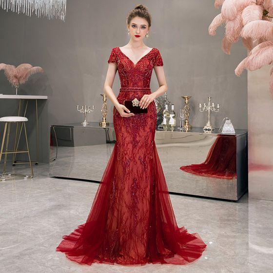 Wysokiej Klasy Czerwone Sukienki Wieczorowe 2020 Syrena / Rozkloszowane Głęboki V-Szyja Kótkie Rękawy Wykonany Ręcznie Frezowanie Trenem Sweep Bez Pleców Sukienki Wizytowe