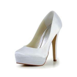 Eenvoudige Bruidsschoenen Met Hoge Hakken Trouwsschoenen Witte Pumps