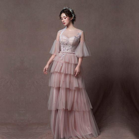 Mode Pärla Rosa Genomskinliga Aftonklänningar 2019 Prinsessa Urringning Bell ärmar Appliqués Spets Beading Långa Cascading Volanger Halterneck Formella Klänningar