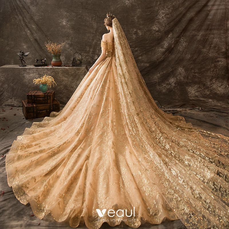 جفاف ساندرز معدن gold bridal dresses