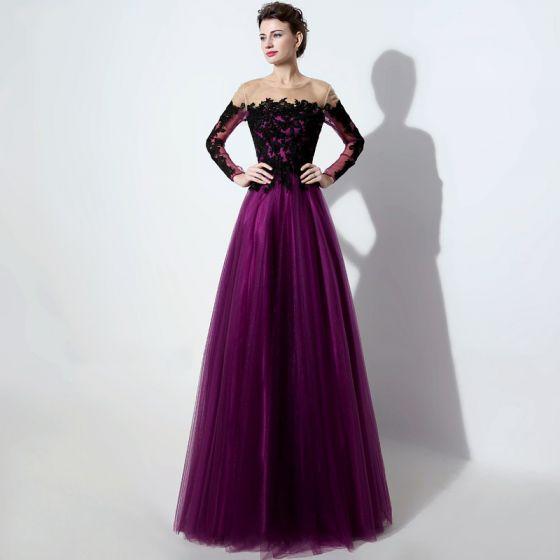 Eleganta Purple Genomskinliga Balklänningar 2019 Prinsessa Urringning Långärmad Appliqués Spets Långa Ruffle Halterneck Formella Klänningar
