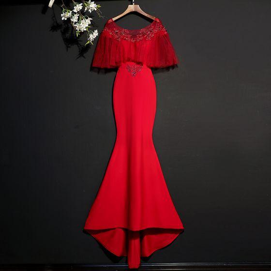 Piękne Burgund Sukienki Wieczorowe 2017 Syrena / Rozkloszowane Koronkowe Frezowanie Wycięciem Bez Pleców Trenem Sweep Sukienki Wizytowe