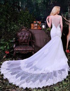 2015 Elegante Mermaid Tiefem V-ausschnitt Sicke Durchbohrt Lange Tailing Tüll Brautkleider